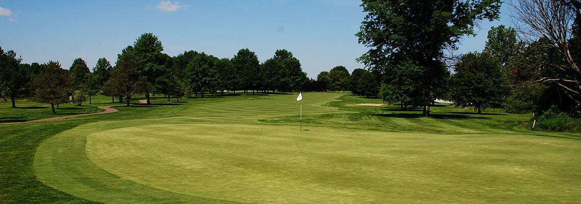 The 10th green at Windmill Lakes Golf Club